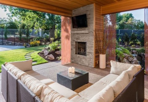 Create a Customized Outdoor Media Room